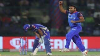 IPL 2019: Amit Mishra Picks Record 150th IPL Wicket, Bamboozles Rohit Sharma During DC vs MI at Feroz Shah Kotla | WATCH VIDEO