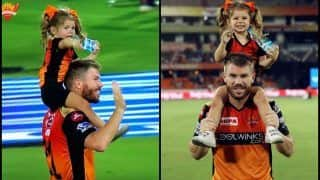 IPL 2019: Daddy David Warner Carrying Daughter on His Shoulder After Match-Winning Knock Against KKR is Unmissable | SEE PIC
