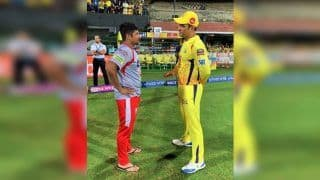 IPL 2019: MS Dhoni Passing Tips to Young Sarfaraz Khan is The Moment Fans Were Waiting For During CSK v KXIP   WATCH VIDEO