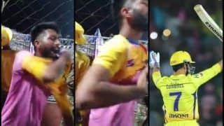 IPL 2019: Rajasthan Royals Fan Changes Sides During RR v CSK as MS Dhoni is Love | WATCH VIDEO
