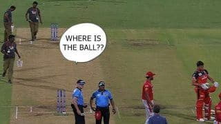 IPL 2019: When Umpire Lost Ball During Royal Challengers Bangalore And Kings XI Punjab | WATCH VIDEO