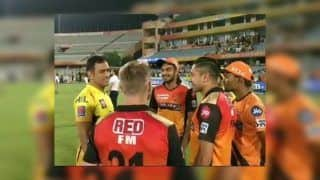 IPL 2019, SRH v CSK: MS Dhoni, David Warner in High Spirits With Vijay Shankar, Rashid Khan After Hyderabad Beat Chennai at Rajiv Gandhi International Stadium | WATCH VIDEO