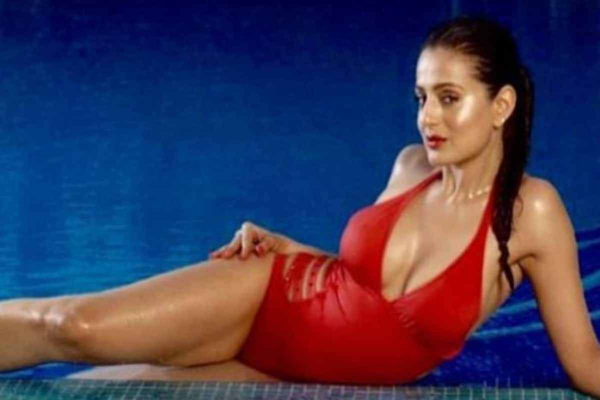 Ameesha Patel Hot Videos ameesha patel looks hot af in sexy red bikini and red lips