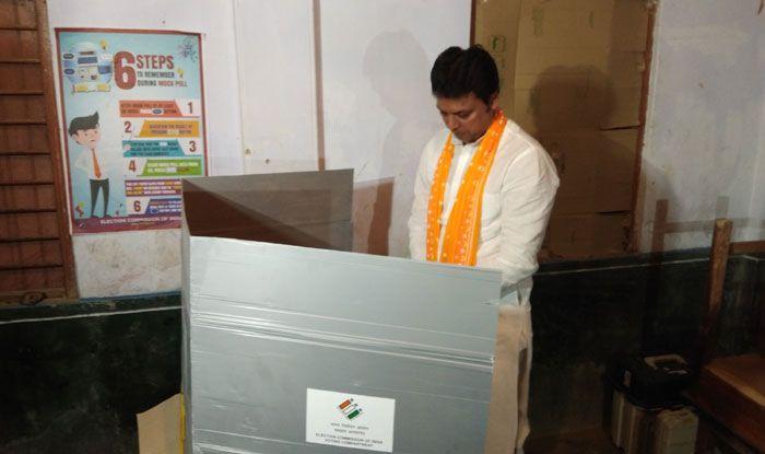 Tripura CM Biplab Kumar Deb casting his vote