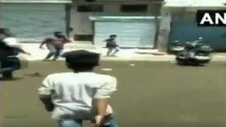 Security forces Pelt Stones at Protesters in Delhi's Mayapuri After MCD Officials Seal Factories on NGT's Order