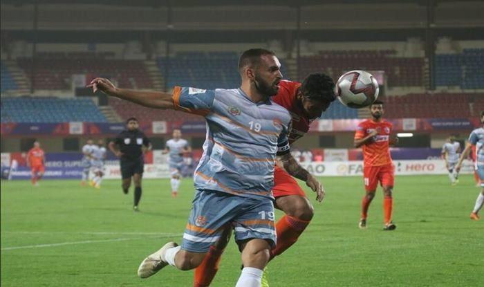 Chennai City's Manzi against Pune City