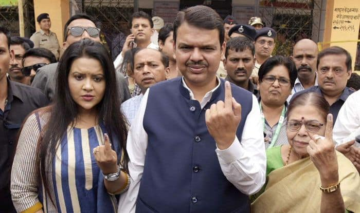 Maharashtra CM Devendra Fadnavis along with his family