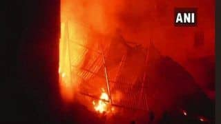 Mumbai: Fire Breaks Out on Fourth Floor of Building at Mazil Masjid Chowk in Andheri; 5 Fire Tenders Present
