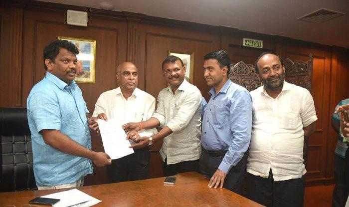 Maharashtrawadi Gomantak Party MLAs with BJP leaders
