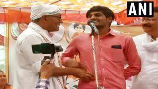 'Modi ji Killed Terrorists,' Man Stuns Digvijaya on Stage When Asked to Prove if he Got Rs 15 Lakh
