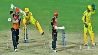 IPL: MS Dhoni Shows Quick Reflexes to Stump David Warner During CSK vs SRH Match, Twitter Hails Chennai Captain | WATCH VIDEO
