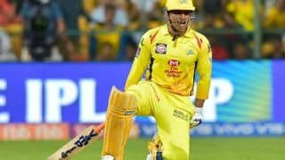 IPL 2019: CSK Batting Coach Mike Hussey Says Its Hard to Rest MS Dhoni From Playing XI