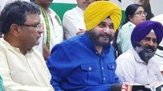Navjot Singh Sidhu Stokes Controversy Urging Muslims to Vote en Bloc to Defeat Modi