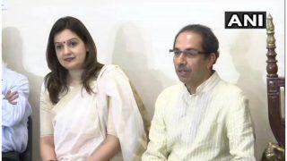 कांग्रेस छोड़कर शिवसेना में शामिल हुईं प्रियंका चतुर्वेदी, उद्धव ठाकरे ने दिलाई सदस्यता