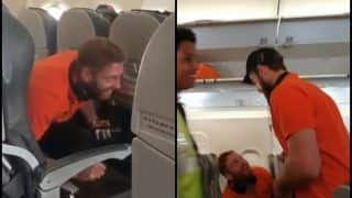 IPL 2019: Johny Bairstow Plays Prank on Kane Willamson In-Flight Ahead of KXIP Clash | WATCH VIDEO