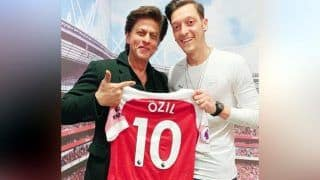 Shah Rukh Khan Visits Arsenal Stadium, Meets Footballer Mesut Ozil in London | See Pictures