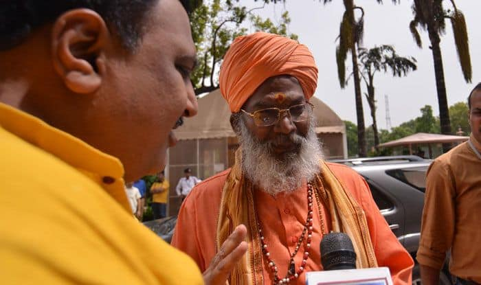 Sakshi Maharaj Tells People to Vote For Him or Face Divine Displeasure
