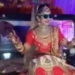 Bride Makes an Entry by Sitting on Classic Jeep's Bonnet And Grooving to Dhol Beats at Her Wedding in Madhya Pradesh – Watch Viral Video