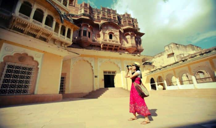 Tips on How to Click Great Photographs While Travelling