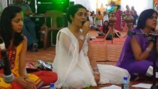 Listen to Hanuman Chalisa and Bajrang Baan with Lyrics on