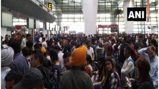 तकनीकी खामी से 6 घंटे तक दुनियाभर में बाधित रहीं एयर इंडिया की फ्लाइट्स, यात्री बोले- ये अराजकता है