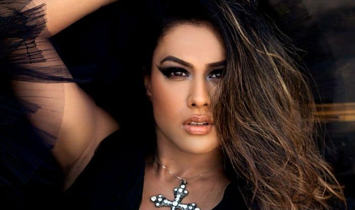 Nia Sharma Looks Hot in Black Dress as She Shows The Perfect Kind of Nude Makeup – See Photo