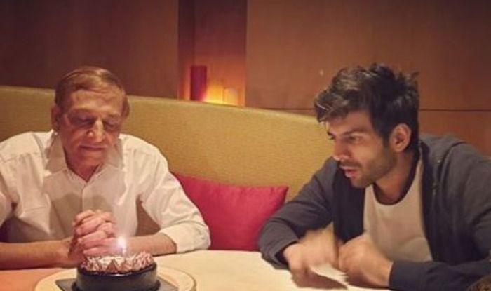 Kartik Aaryan with his father