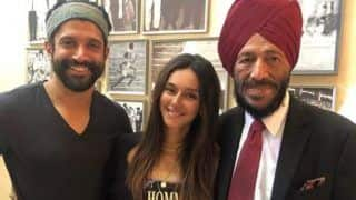 Farhan Akhtar's Girlfriend Shibani Dandekar is All Smiles as She Poses With Real And Reel Milkha Singh