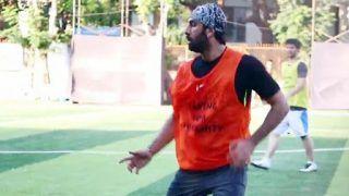 Ranbir Kapoor, Ishaan Khatter, Shashank Khaitan Play Football