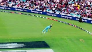 Eng vs SA: Ben Stokes Takes a One-Handed Catch to Dismiss Andile Phehlukwayo in ICC Cricket World Cup 2019 Opener Between England And South Africa | WATCH VIDEO