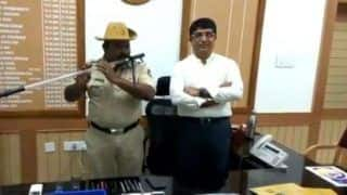 Karnataka Cop Turns His Lathi Into a Flute to Play Folk Songs - Watch Viral Video Here
