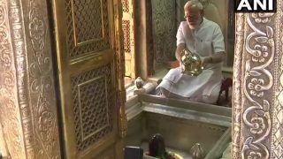 मोदी-मोदी ने नारे से गूंजी वाराणसी, पीएम मोदी ने काशी विश्वनाथ मंदिर में की पूजा