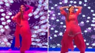 Haryanvi Hot Dancer Sapna Choudhary Flaunts Her Sexy Thumkas on 'Daud Ki Chori' During Her Stage Show in Lucknow