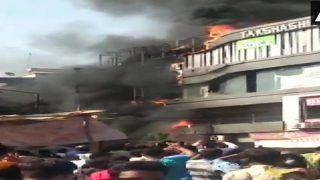 सूरत के कोचिंग सेंटर में लगी आग, जान बचाने के लिए टॉप फ्लोर से कूदे बच्चे, 15 की मौत