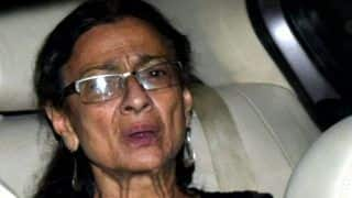 Tanuja Undergoes Surgery For Diverticulitis at Lilavati Hospital, Now Doing Fine
