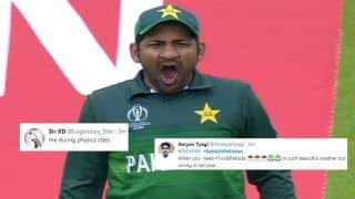 Sarfraz Ahmed TROLLED For Being Lazy During ICC Cricket World Cup 2019 Match Between India And Pakistan at Old Trafford | WATCH VIDEO