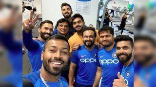 अच्छे प्रदर्शन के लिए एक-दूसरे से ऐसे 'प्यार' बढ़ा रही भारतीय टीम, कोहली, धोनी और रोहित हैं लीडर