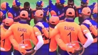 Hardik Pandya-Kedar Jadhav Handshake During Team Huddle Ahead of India vs England ICC Cricket World Cup 2019 Cannot be Missed | WATCH VIDEO