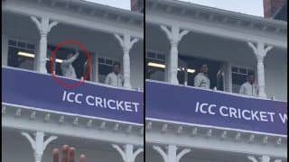 MS Dhoni's Wave Wins Show as Rain, Bad Weather at Trent Bridge Calls Off ICC Cricket World Cup 2019 Match between India And New Zealand | WATCH VIDEO