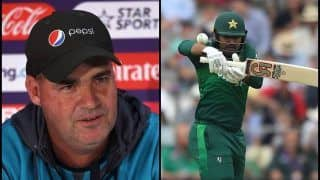 Mickey Arthur Slams Journalist For Negative Remarks on Haris Sohail After Pakistan Beat South Africa in ICC Cricket World Cup 2019 | WATCH VIDEO