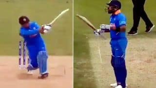 MS Dhoni Smashes Mitchell Starc For a Flat Six at Kennington Oval During India's ICC World Cup 2019 Clash Against Australia, Virat Kohli Reaction is EPIC | WATCH VIDEO