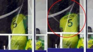 Aaron Finch Smashes Dressing-Room Window After Runout Against India During ICC World Cup 2019 Clash Against Australia | WATCH VIDEO