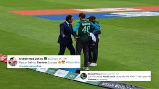 New Zealand vs Pakistan: Wasim Akram Adising Shaheen Afridi, Mohammad Amir Picture Goes Viral After Good Show by Bowlers During ICC World Cup 2019 Game | SEE POSTS
