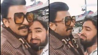 Ranveer Singh Comforting Crying Pakistani Fan After ICC Cricket World Cup 2019 Defeat to India Deserves Respect | WATCH VIRAL VIDEO