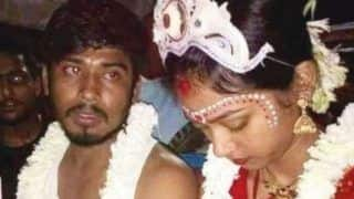 West Bengal Man Sits on Dharna in Front of Girlfriend's House Post Break up, Convinces Her to Marry Him