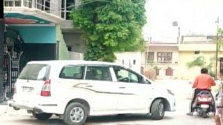 खनन घोटाला: यूपी-दिल्ली में 22 ठिकानों पर CBI के छापे, पूर्व मंत्री गायत्री प्रजापति के यहां भी रेड