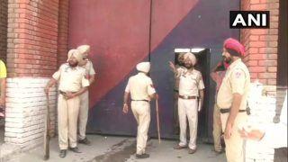 पंजाब: लुधियाना सेंट्रल जेल में कैदियों के दो गुटों के बीच भिड़ंत, जेल में आग लगी, कई कैदी घायल
