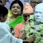 Mamata Banerjee Unveils Vidyasagar's Statue Vandalised in Pre-poll Clash Last Month