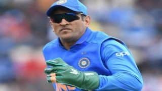 MS Dhoni Not to Remove Army Insignia Badge From Wicket-Keeping Gloves: BCCI Backs Former Skipper, ICC to Reconsider