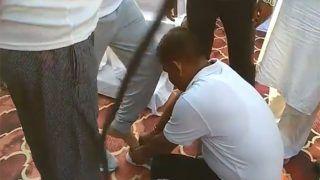 यूपी के मंत्री की हनकः सरकारी अधिकारी से पहनवाया जूता, विवाद पर कहा- इसमें बुरा क्या है